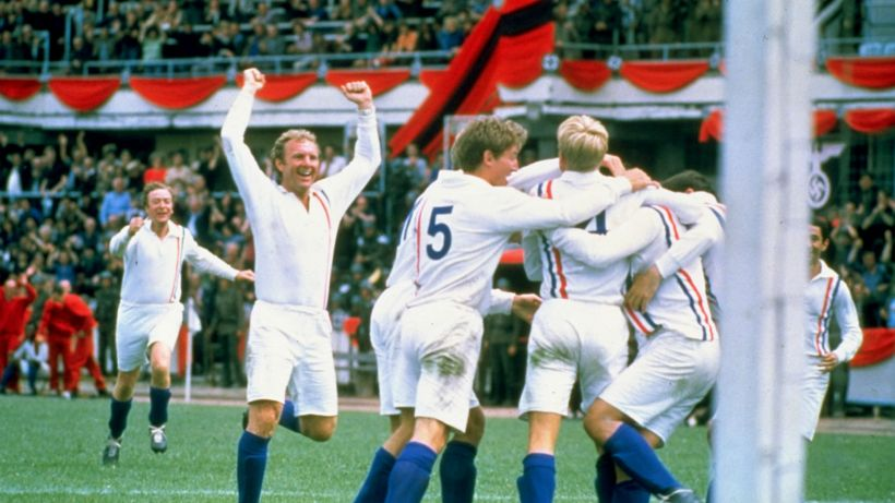 michael-caine-bobby-moore-escape-to-victory_wo8aua91cxik11lil8bjk68si