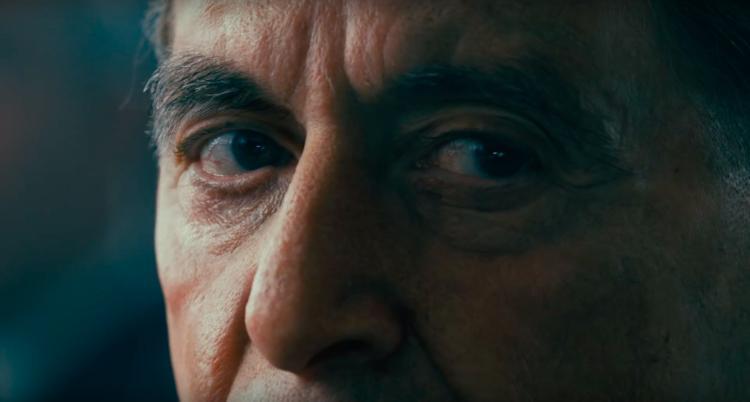 Le regard acéré de Jimmy Hoffa (Al Pacino) dans The Irishman.